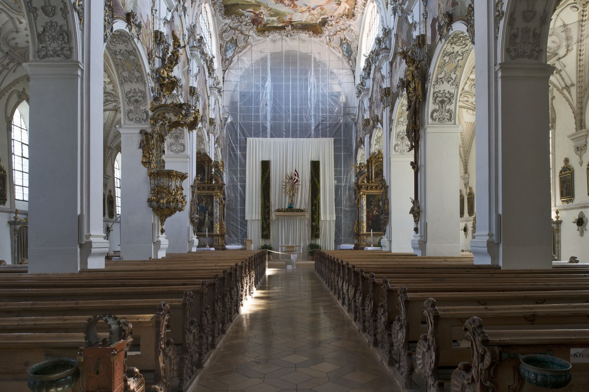 The memorials for Welf IV and his son in the parishchurch St John Baptist view to the highaltar photo Bavarian State Department of Monuments and Sites Michael Forstner 11.2017