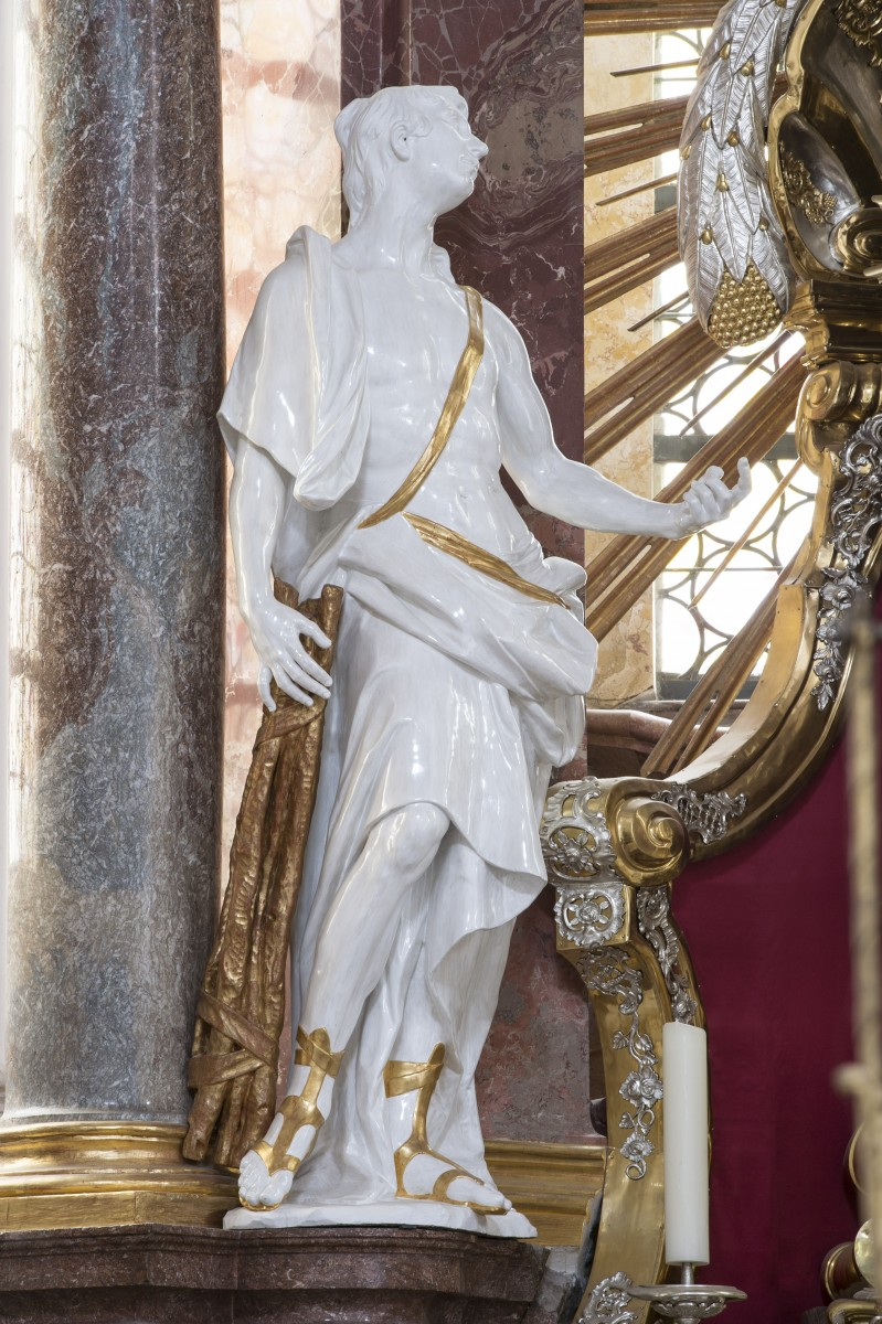 The sculpture of St Sebastian at the St Quirinus altar in the parish church of St Quirinus, Tegernsee (photo Bavarian State Department of Monuments and Sites, Michael Forstner, Dec. 2017)