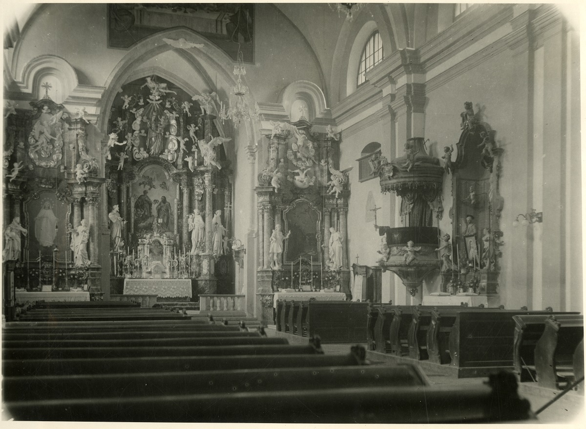 The interior of the minorite Church of St Peter and Paul in Ptuj, old photograph (source of the photo: Ministry of Culture, Cultural Hertiage Directorate, INDOK Centre)