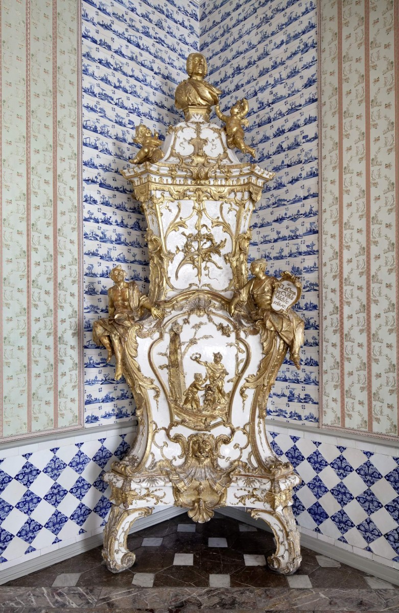 Brühl, Augustusburg Palace, the stove in the second Antechamber of the Summerappartment (LVR-Amt für Denkmalpflege Rheinland, photo by: Silvia Margrit Wolf, 2012)